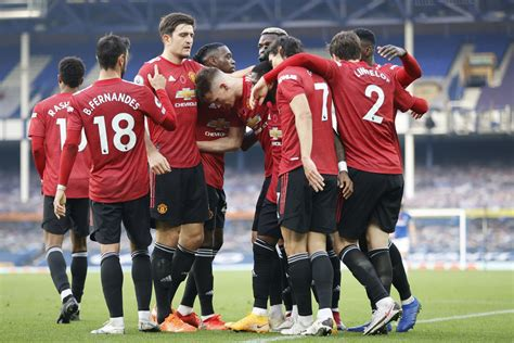 Man Utd team news vs West Brom: The predicted 4-2-3-1 line ...