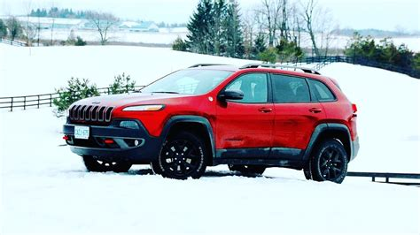 2017 Jeep Cherokee Trailhawk 4x4 Review