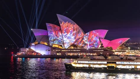 vivid  artist  opera house projection