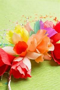 Blumen Aus Papier : blumen basteln 3 anleitungen und 30 tolle ideen deko feiern diy zenideen ~ Udekor.club Haus und Dekorationen