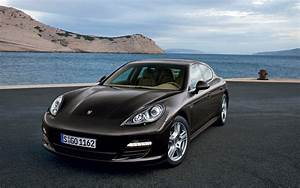 Black Porsche Panamera Wallpapers Full HD Pictures