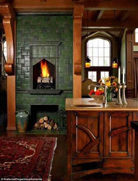 andie macdowells house kitchen fireplace hooked  houses