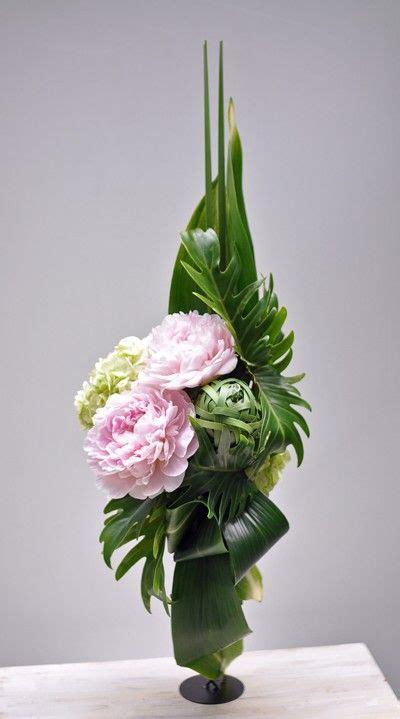 vertical flower arrangement  modern flower arrangements
