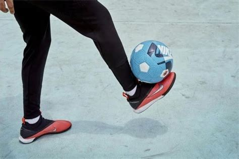 Kevin De Bruyne Shoes - Laced Up Nike Phantomvsn Ii Review ...