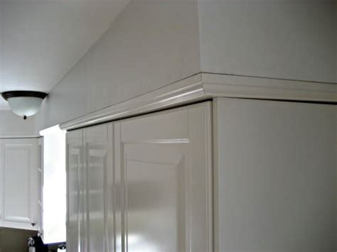crown  join  cabinets   soffitawesome idea