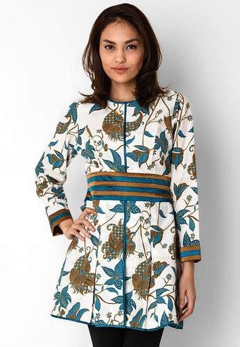model baju batik kerja wanita modern awal