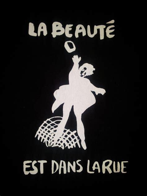 LA Beauté Est Dans La Rue Beauty is in the street hoodie or