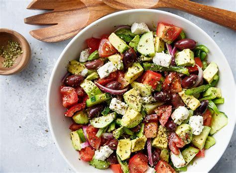 recette cuisine grecque recette facile de salade grecque à l 39 avocat