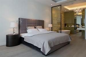 Chambre avec salle de bain fusion d39espaces harmonieuse for Porte de douche coulissante avec lampe encastrable salle de bain