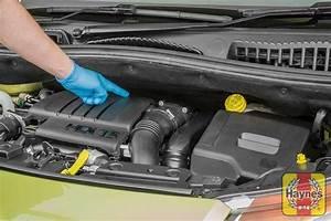 Changer Batterie C3 Picasso : citroen c3 picasso 2009 2014 1 6 air filter change haynes publishing ~ Medecine-chirurgie-esthetiques.com Avis de Voitures