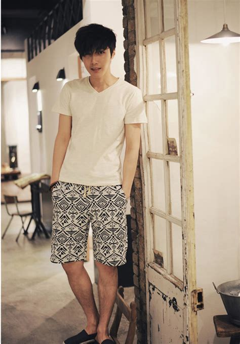 Summer Fashion Retro Japanese Men Pants Color Block Half