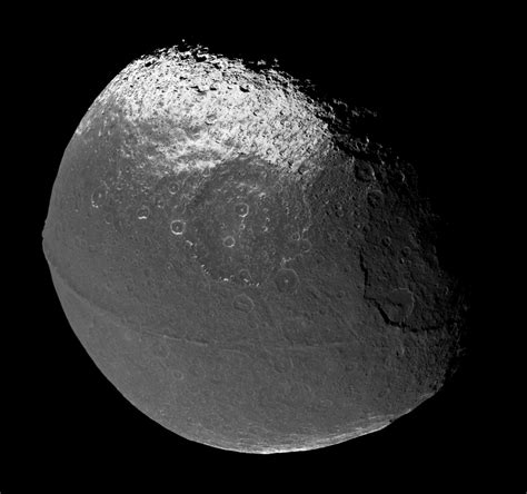 Mimas: Saturn's Death Star moon : space