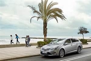 Toyota Tourlaville : toyota avensis sw car interior design ~ Gottalentnigeria.com Avis de Voitures