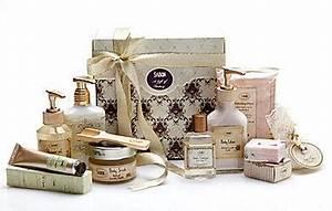 Cadeau Pour Maman Pas Cher : cadeau noel pas cher idee cadeau pas trop cher cadeaux noel moins chers ~ Melissatoandfro.com Idées de Décoration