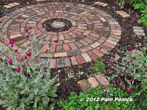 this small circular patio garden southern garden