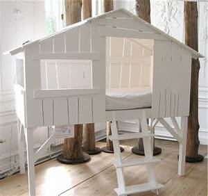Lit Cabane Pour Enfant : lit cabane enfant mathy by bols secret de chambre ~ Teatrodelosmanantiales.com Idées de Décoration