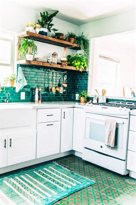 what colors are for a kitchen 25 best ideas about teal kitchen walls on 9847