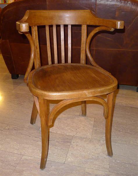 chaise bistrot baumann chaise de bureau baumann la broc des alpilles