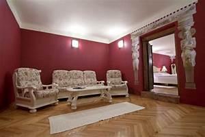 wohnzimmer bordeaux rot ihr traumhaus ideen With balkon teppich mit bordeaux rote tapete