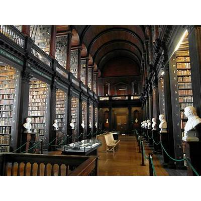 This 300-Year-Old Library Chamber In Dublin Has 200000