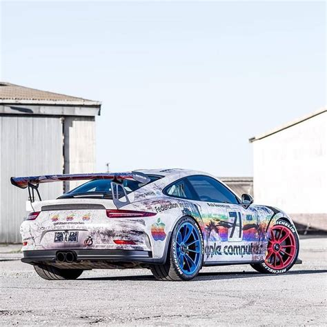 porsche gt3 rs wrap porsche 911 gt3 rs gets apple computer wrap in 1980s 935