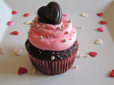 day cupcakes valentine s day cupcakes cakecentral com
