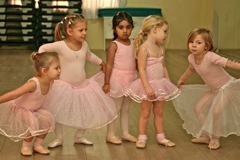preschool dance lessons how can your toddler benefit from taking ballet lessons 783