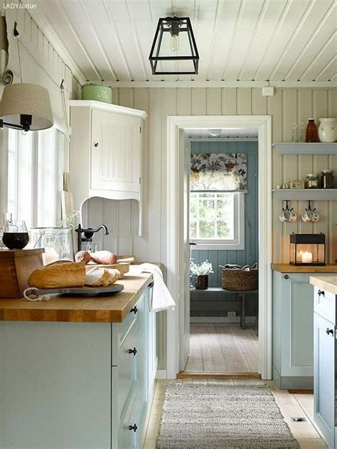 pictures of kitchens with islands 17 best images about cottage kitchens on stove 7475