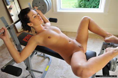 Bare Workout Spanish Ladies Braless Bride Working Out