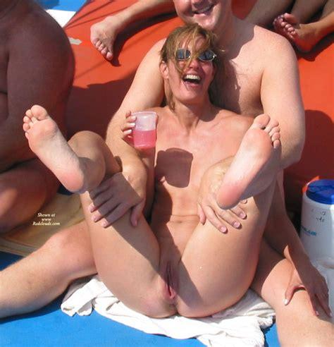 Sexy Suz Catamaran Public Fucking Of June
