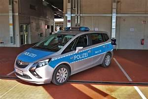 Opel Bad Homburg : streifenwagen fotos ~ Orissabook.com Haus und Dekorationen