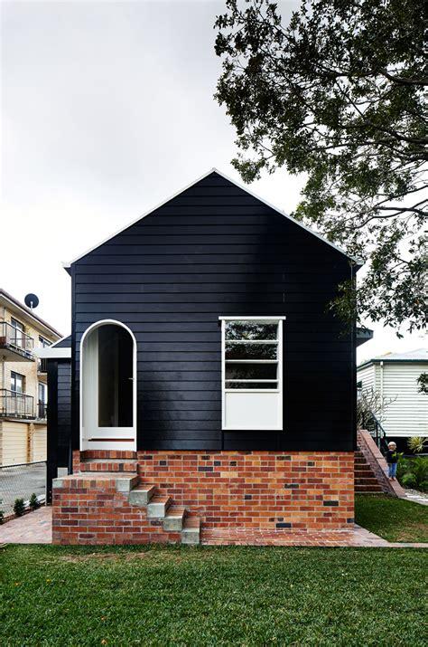 black brick house west end cottage renovation a photo essay habitusliving com