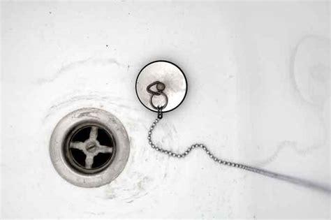 bathtub drain gurgles  toilet  flushed noise