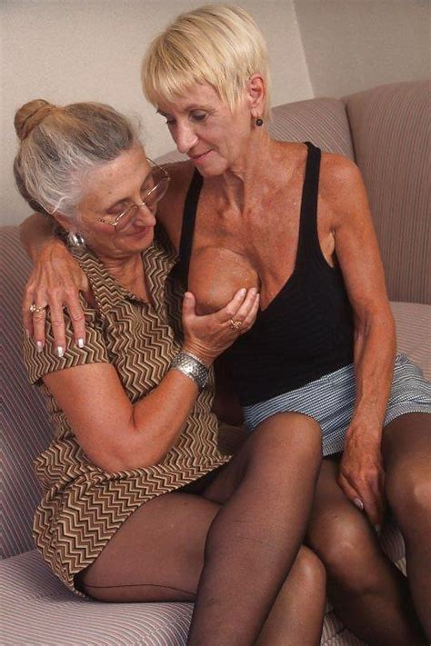 Mature Lesbos Ida And Betty 20 Immagini