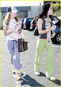 Full Sized Photo Of Vanessa Hudgens Pilates 06 Photo