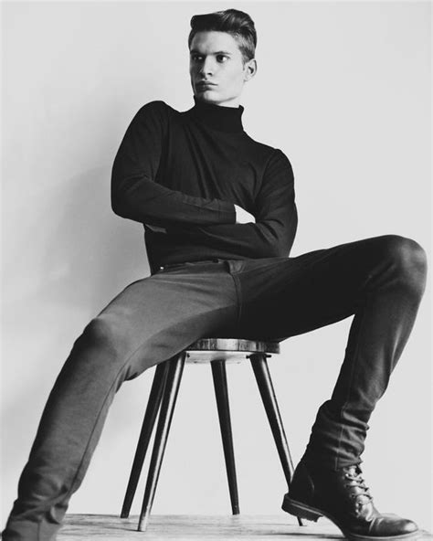 kartinki po zaprosu turtleneck photoshoot male models