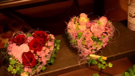 eine gute idee fuer den valentines day blumen herzmp