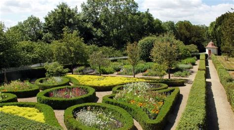 123 best images about colonial and williamsburg gardens on