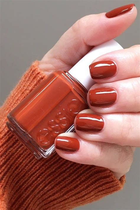 chic autumn nail colours youll   buy asap fall