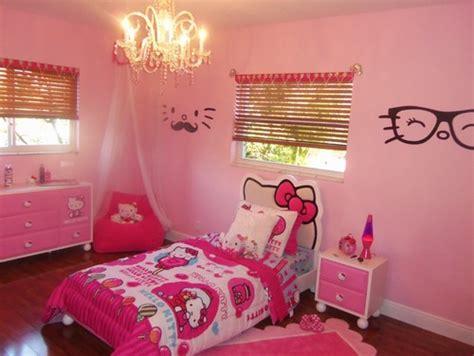 gambar kamar tidur anak perempuan  tema kartun