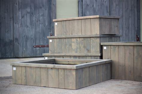 Dārza preces- puķu kastes, koka galds ar soliem, koka ...