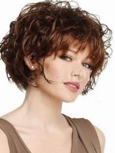 Coupe Mi Courte Femme : coiffure courte frisee femme https tendances coiffure ~ Nature-et-papiers.com Idées de Décoration