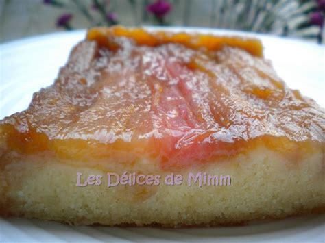 cuisiner de la rhubarbe gâteau à la rhubarbe et aux amandes les délices de mimm