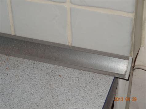 joint carrelage mural cuisine fissure joint carrelage plan de travail cuisine