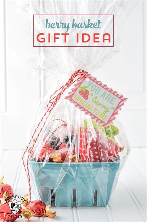 strawberry gift basket idea diy mothers day gifts