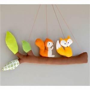 Mobile Chambre Bébé : mobile fait main avec un petit renard et un cureuil d coration chambre b b et b b ~ Teatrodelosmanantiales.com Idées de Décoration