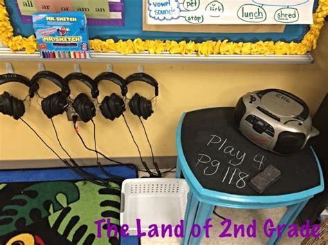 25 best ideas about kindergarten listening center on 228 | 0299a421b1635dd72a8f2d2e3c2066c8