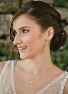 quotninaquot collier de mariee avec long bijou robe dos nu so helo With boutique robe de mariée avec collier