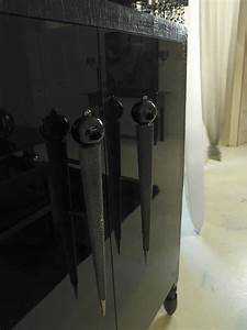 Klassische Brettspiele Aus Holz : klassische sideboard aus lackiertem holz stoffbezug idfdesign ~ Sanjose-hotels-ca.com Haus und Dekorationen