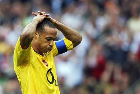 Ronaldinho claims Barcelona went easy on Arsenal in 2006 ...